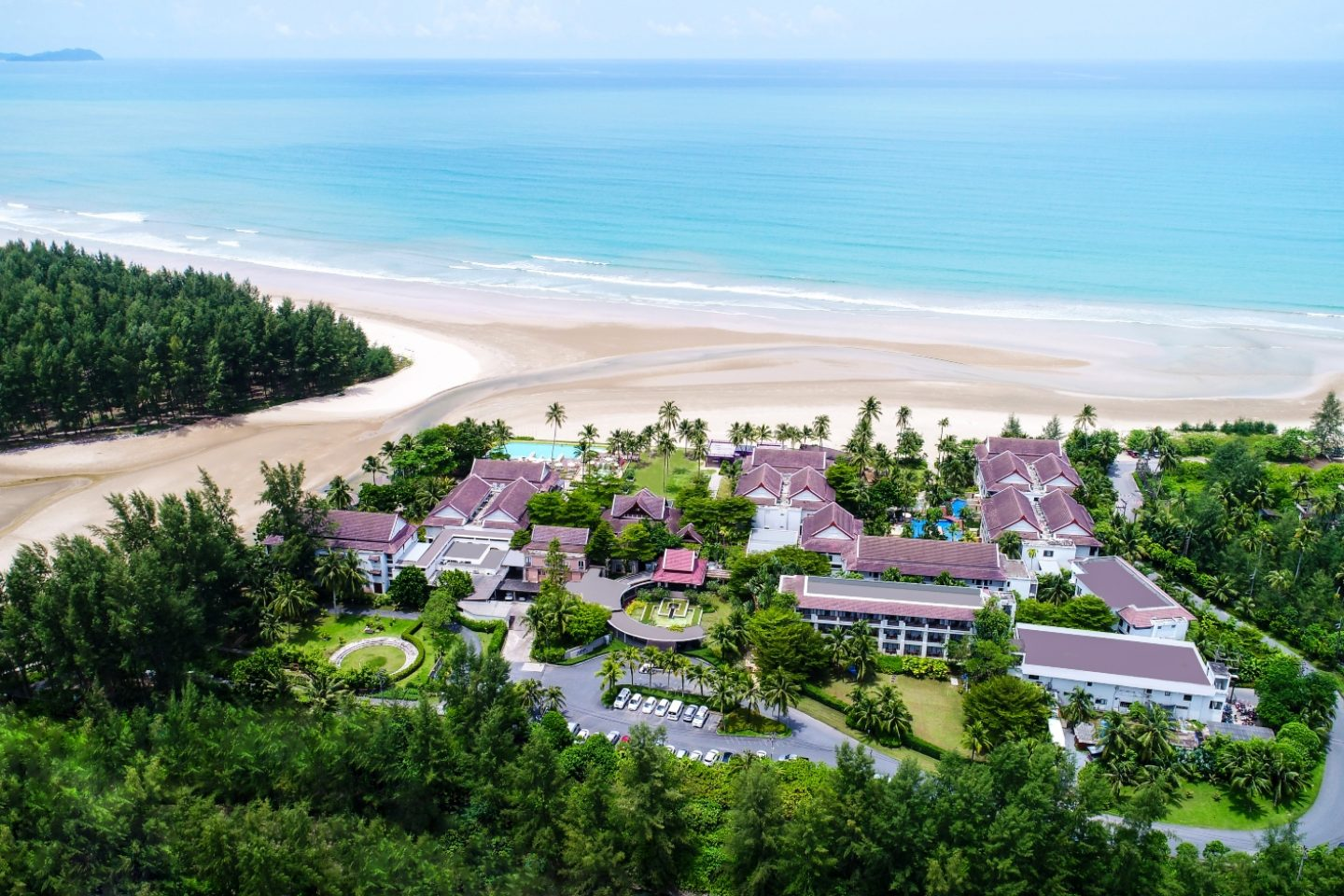 Apsara Beachfront Resort and Villa